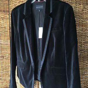 Banana Republic black velvet blazer
